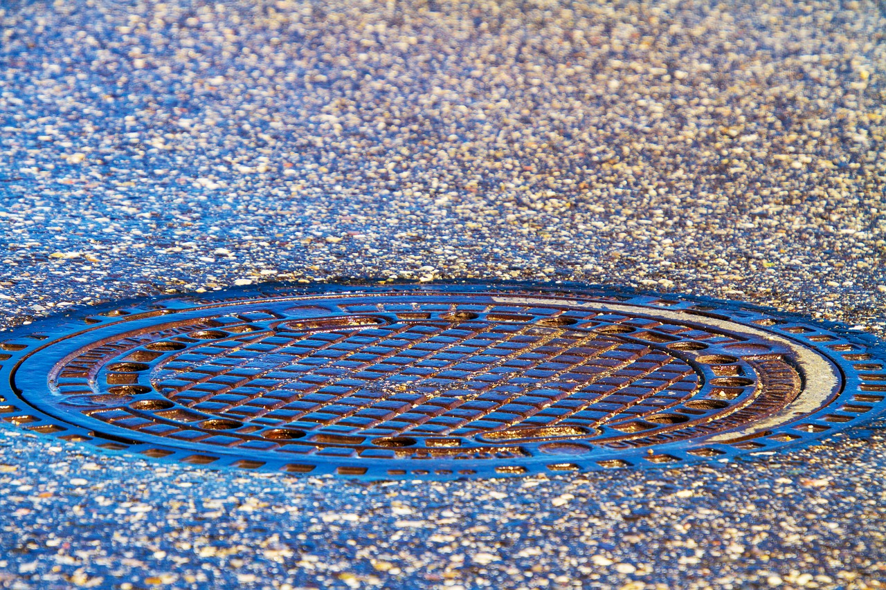Odpowietrzenie kanalizacji: dowiedz się, czym grozi zapowietrzona instalacja!