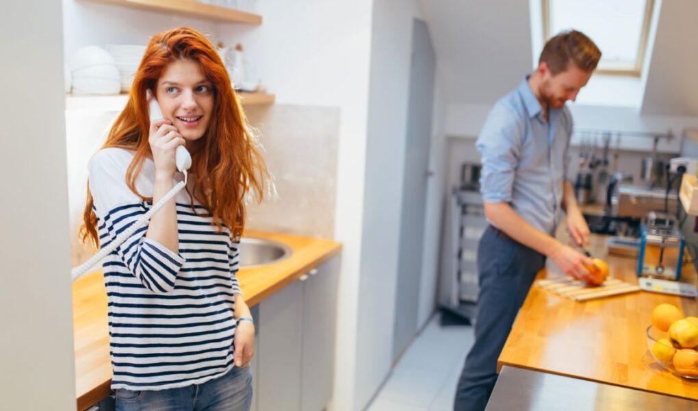 Na co zwrócić uwagę wybierając domofon do domu?